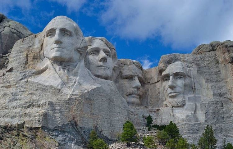 Mount Rushmore featuring the carved faces of four presidents