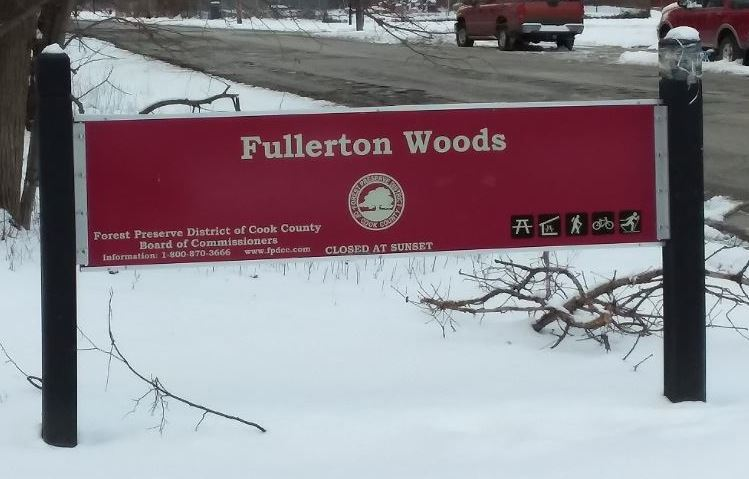 Red Forest Preserve sign saying Fullerton Woods